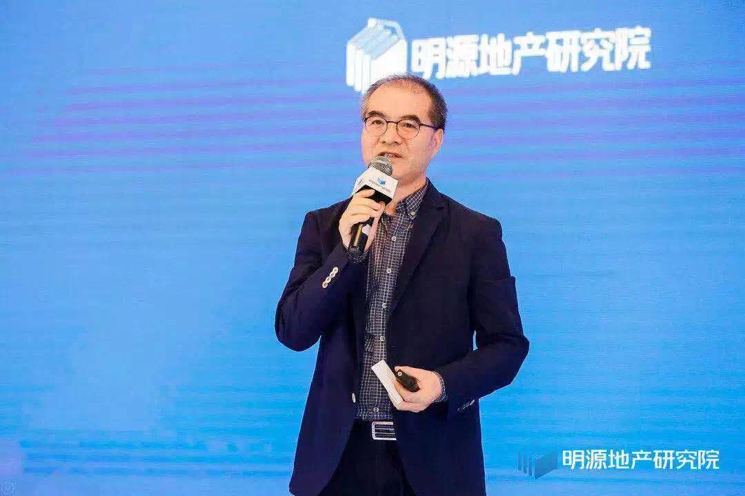 昨天,左晖、吴建斌、林峰等地产大佬集体发声,对700位总裁说