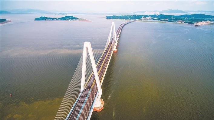 乐清湾大桥:一桥架东西 天堑变通途