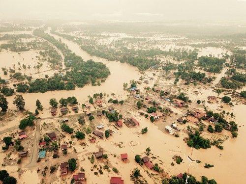 中老铁路专家赴老挝溃坝灾区调研危桥改造
