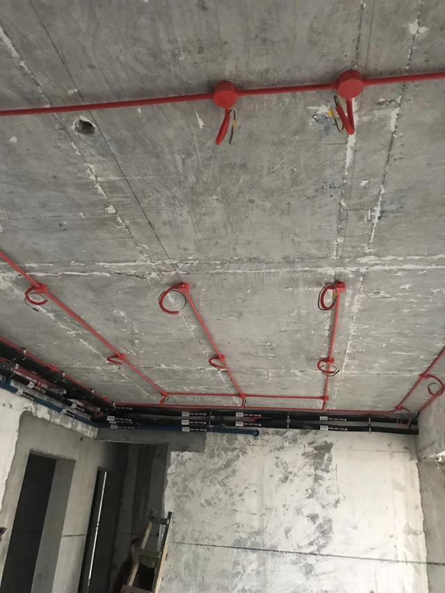 成都装修公司施工现场之水电改造图 中德英伦世邦装修图