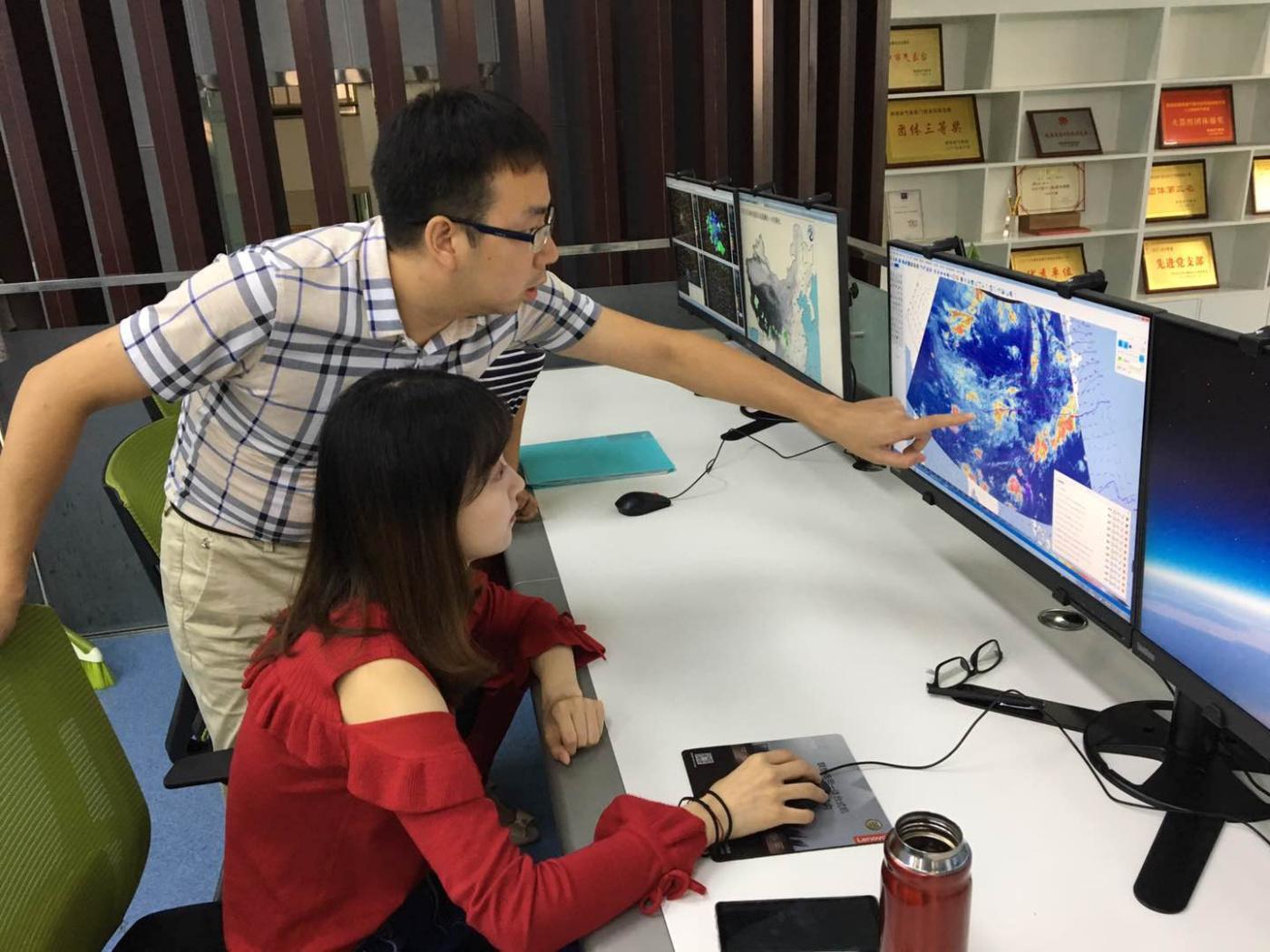 汉中市人影办进行人工消减雨 确保《汉风秋月》中秋晚会顺利录制