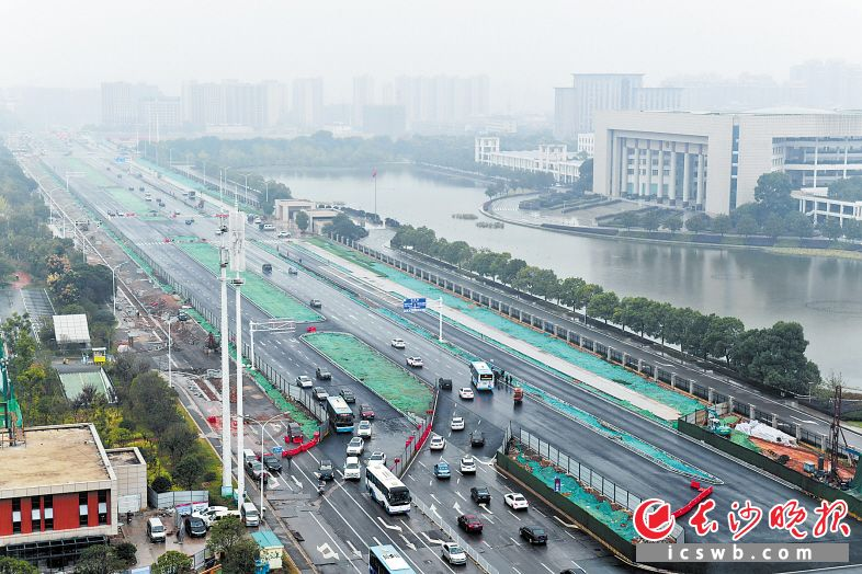 湘府路芙蓉南路以西主线放开交通