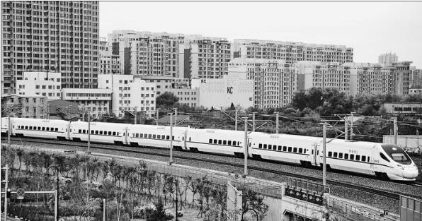 哈佳铁路一个月运送旅客67.9万人次
