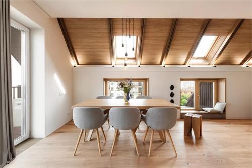 斜頂閣樓裝修設計,窗戶搭配窗簾有哪些講究?