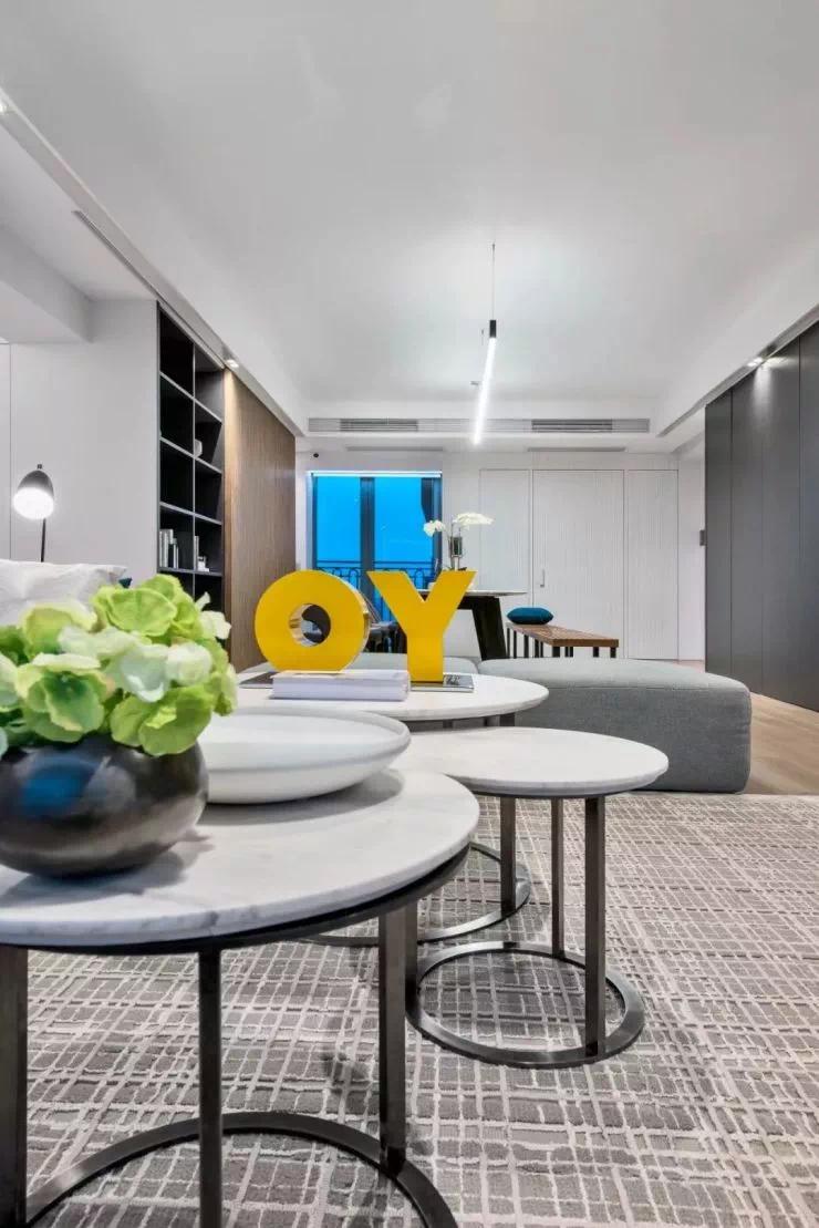 蓝灰叠加,简约而富有高级感的现代私宅