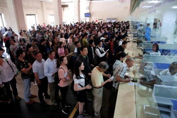 武汉铁路客流提前进入返程模式 预计7日达到高峰