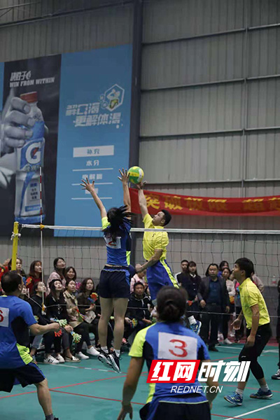 雁峰区举行气排球联赛 大力发展全民健身