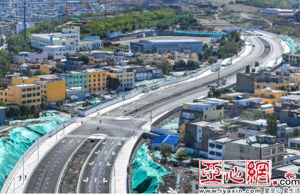 烏魯木齊市躍進街東延新建道路昨日通車