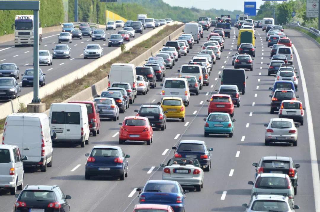 中秋假期高速路不免费 陕西18处高速路段施工 看看都有哪些?