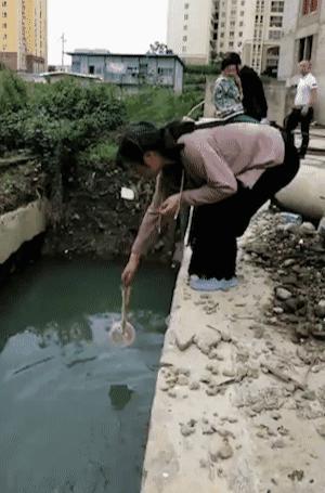 烂尾楼里的 30 位房奴:每天爬 18 楼、一个月洗一次澡搜狐焦点北京站插图(23)