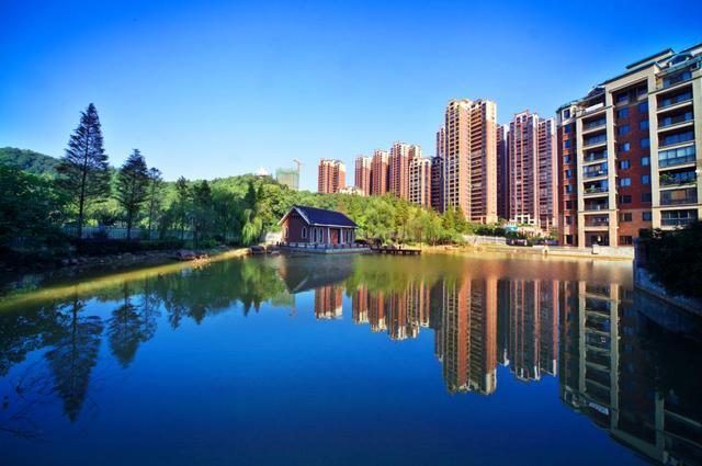 珠江东方明珠:高品质的山居生活是什么样子?